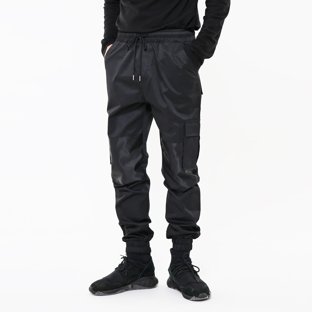 EXCLUSIVE SECTION JOGGER PANTS BK
