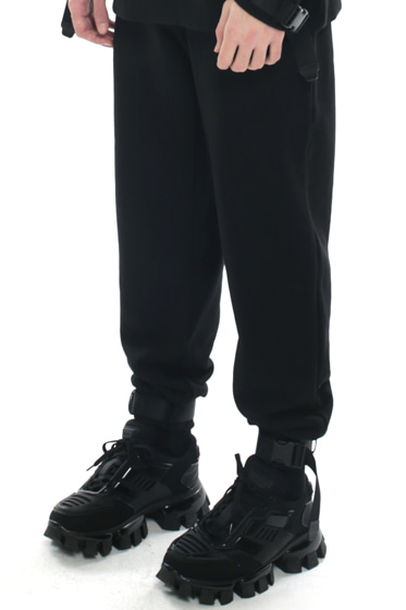webbing belt heavy cotton jogger pants black